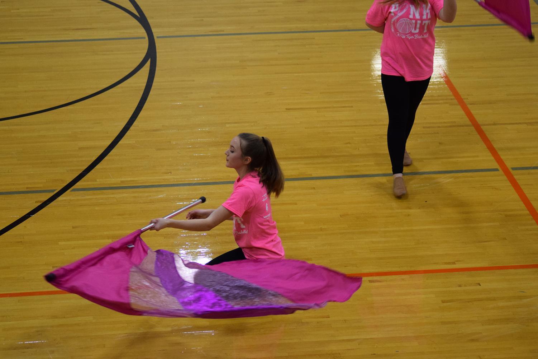 Hayley+Franklin+%289%29+gracefully+twirls+her+flag+around+herself.+
